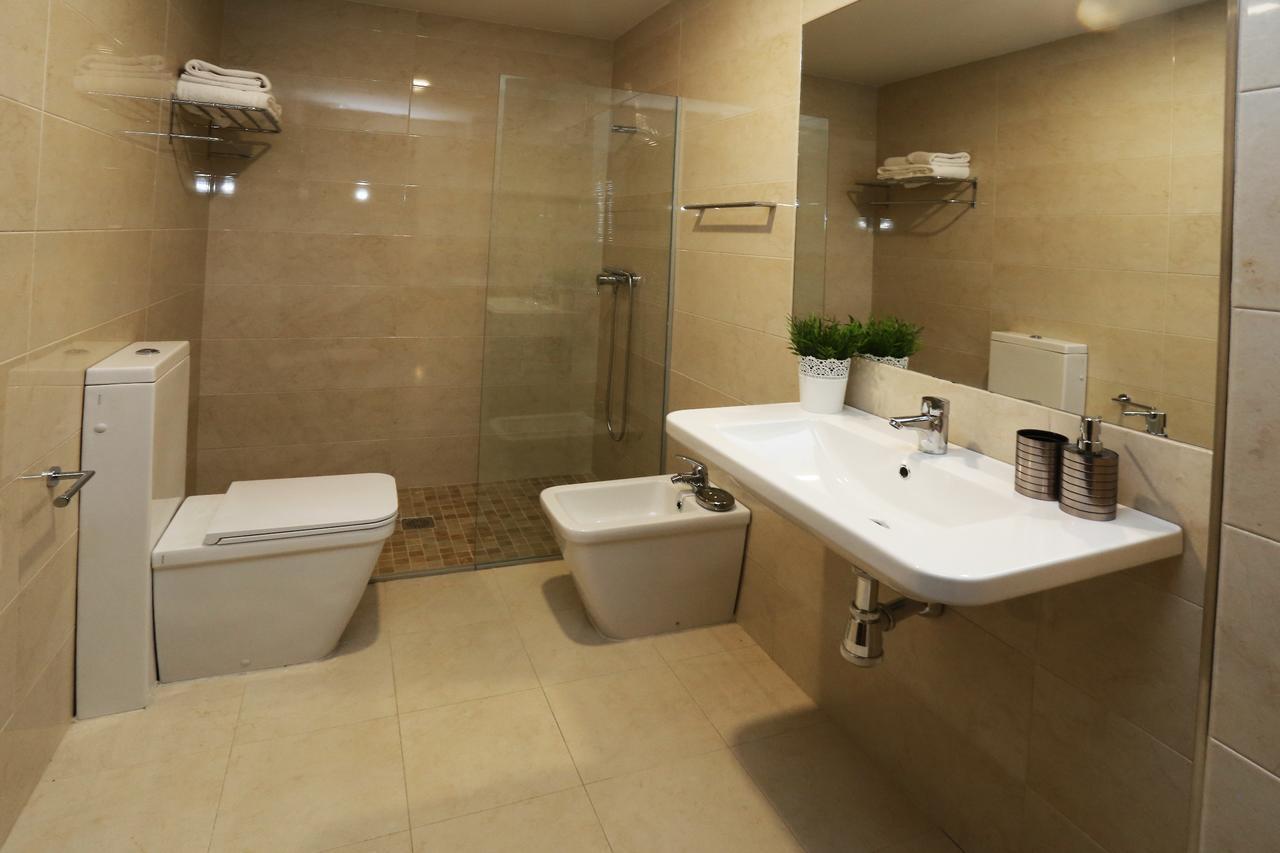 Baño completo del apartamento Calisto y Melibea en Salamanca